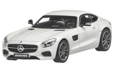 Модель автомобиля Mercedes-AMG GT S, Diamond White, 1:43 Scale