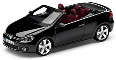 Модель автомобиля Volkswagen Golf Cabriolet, 1:43 Scale, Deep Black Pearl Effect