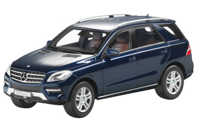 Модель Mercedes-Benz ML, Tanzanite Blue, Scale 1:18