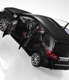 Модель Mercedes-Benz B-Class Sports Tourer, Black, Scale: 1:18, артикул B66961408