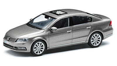 Модель автомобиля Volkswagen Passat Saloon, Scale 1:43, Brown