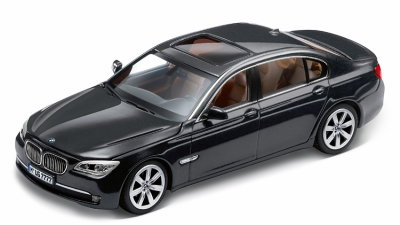 Модель BMW 7 серии, седан, BMW 7 Series Saloon (F02) Grey, Scale 1:43