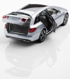 Модель Mercedes-Benz C-Class Estate Avantgarde S205, Diamond Silver, 1:18 Scale, артикул B66960258