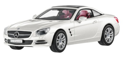 Модель Mercedes-Benz SL-Class R231, Designo Diamond White Bright, 1:43 Scale