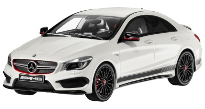 Модель Mercedes-Benz CLA 45 AMG, Limited Edition of 1000, White, 1:18 Scale