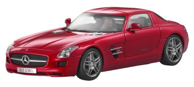 Модель Mercedes-Benz SLS AMG C197, AMG Le Mans Red, 1:43 Scale