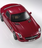 Модель Mercedes-Benz SLS AMG C197, AMG Le Mans Red, 1:43 Scale, артикул B66960025