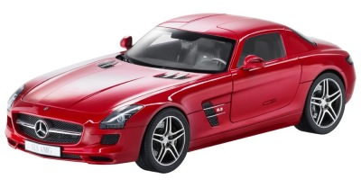 Модель Mercedes-Benz SLS AMG C197, AMG Le Mans Red, 1:12 Scale