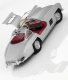 Модель Mercedes-Benz 300 SL Gullwing W 198 (1954–1957), Silver, 1:12 Scale, артикул B66041207