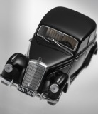 Модель Mercedes-Benz 220 W 187 (1951–1954), Black, 1:43 Scale, артикул B66040407