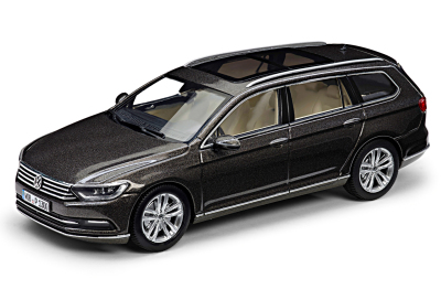 Модель автомобиля Volkswagen Passat Estate, Scale 1:43, Black Oak Brown Metallic