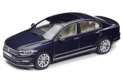 Модель автомобиля Volkswagen Passat Saloon, Scale 1:43, Night Blue Metallic