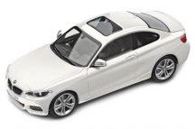 Модель автомобиля BMW 2 серии Купе (F22), 1:43 scale, Alpine White
