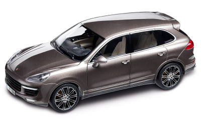 Модель автомобиля Porsche Cayenne Turbo, Scale 1:18, Umber Metallic
