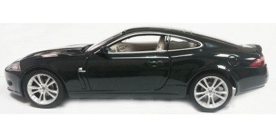 Модель автомобиля Jaguar XK Coupe, Scale 1:24, Ultimate Green