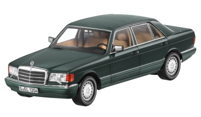 Модель Mercedes-Benz 560 SEL, V126, 1985-1991, Green Metallic, 1:18 Scale