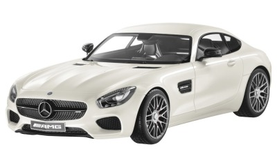 Модель Mercedes-AMG GT S, Designo Diamond White Bright, Scale 1:12