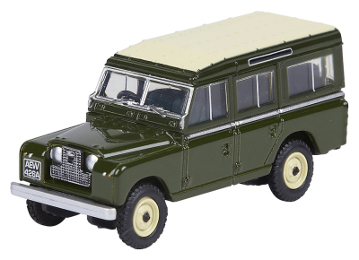 Модель автомобиля Land Rover Series II Station Wagon, Scale 1:76, Green
