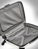 Чемодан Mercedes-Benz Firelite Spinner 69 Suitcase, Diamond White, артикул B66953139