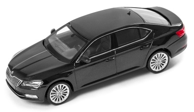 Модель автомобиля Skoda Superb III, 1:43 scale, Black Magic