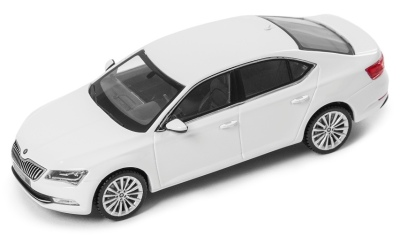 Модель автомобиля Skoda Superb III, 1:43 scale, Laser White