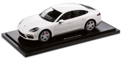 Модель автомобиля Porsche Panamera Turbo G2, Limited Edition, Scale 1:18, White