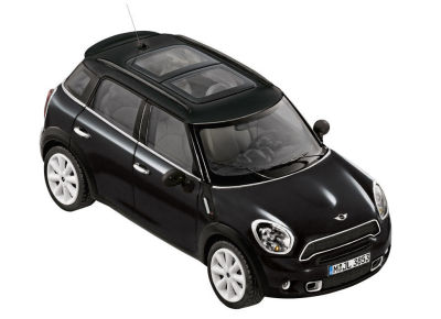Модель автомобиля Mini Cooper S Countryman Absolute Black, Scale 1:18