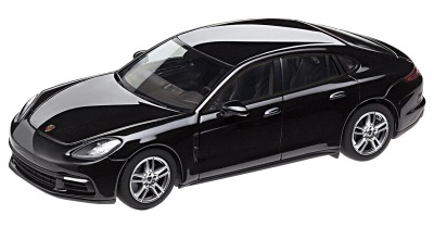 Модель автомобиля Porsche Panamera 4 (G2), Scale 1:43, Deep Black Metallic