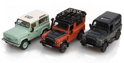 Набор моделей Land Rover Defender Final Edition, 3 Piece Set, Scale 1:76