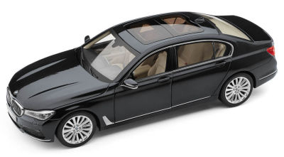 Модель автомобиля BMW 7 Series Long (G12), 1:18 Scale, Sophisto Grey