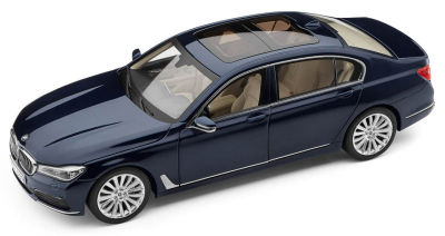 Модель автомобиля BMW 7 Series Long (G12), 1:18 Scale, Imperial Blue
