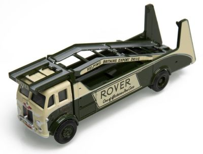 Ретро автовоз Land Rover Car Transporter, Scale 1:76, Bronze Green