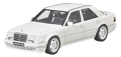 Модель Mercedes-Benz E60 AMG, W124, White, 1:18 Scale