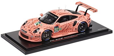 Модель автомобиля Porsche 911 RSR 2018, Pink Pig, limited edition, Scale 1:18