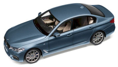 Модель автомобиля BMW 530i Limousine (G30), 1:18 Scale, Bluestone Metallic