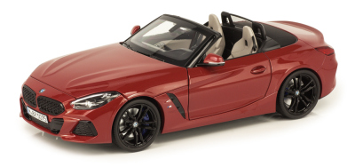 Модель автомобиля BMW Z4 Roadster (mod.G29), San Francisco Red, 1:18 Scale